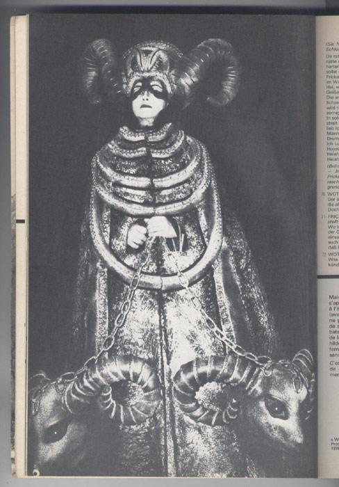 L'AVANT-SCENE OPERA, titre:  la walkyrie,  Editions: Premières Loges, editions originales en TBE voir scan, livre en vente sur www.wanted-rare-books.com/wagner-richard-tetralogie-l-anneau-du-nibelung-vaisseau-fantome-tristan-isolde-parsifal-tannhauser-avant-scene-opera-livre.htm